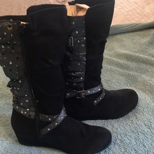 Girls black/silver boots